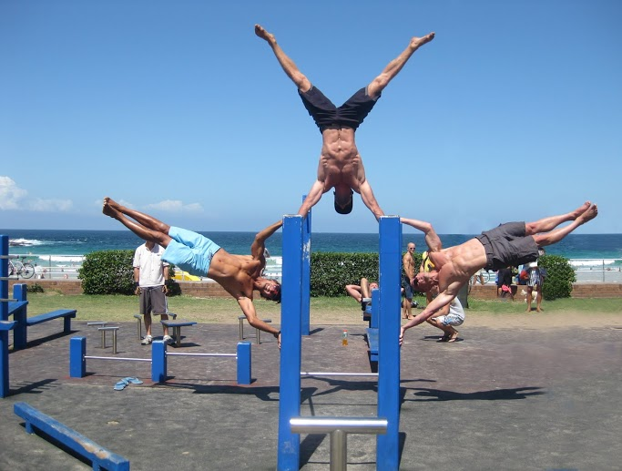 Street Workouts On Bars Are Revolutionising How People Get Fit Healthy And Strong Famously Known As Jail Gyms Ghetto